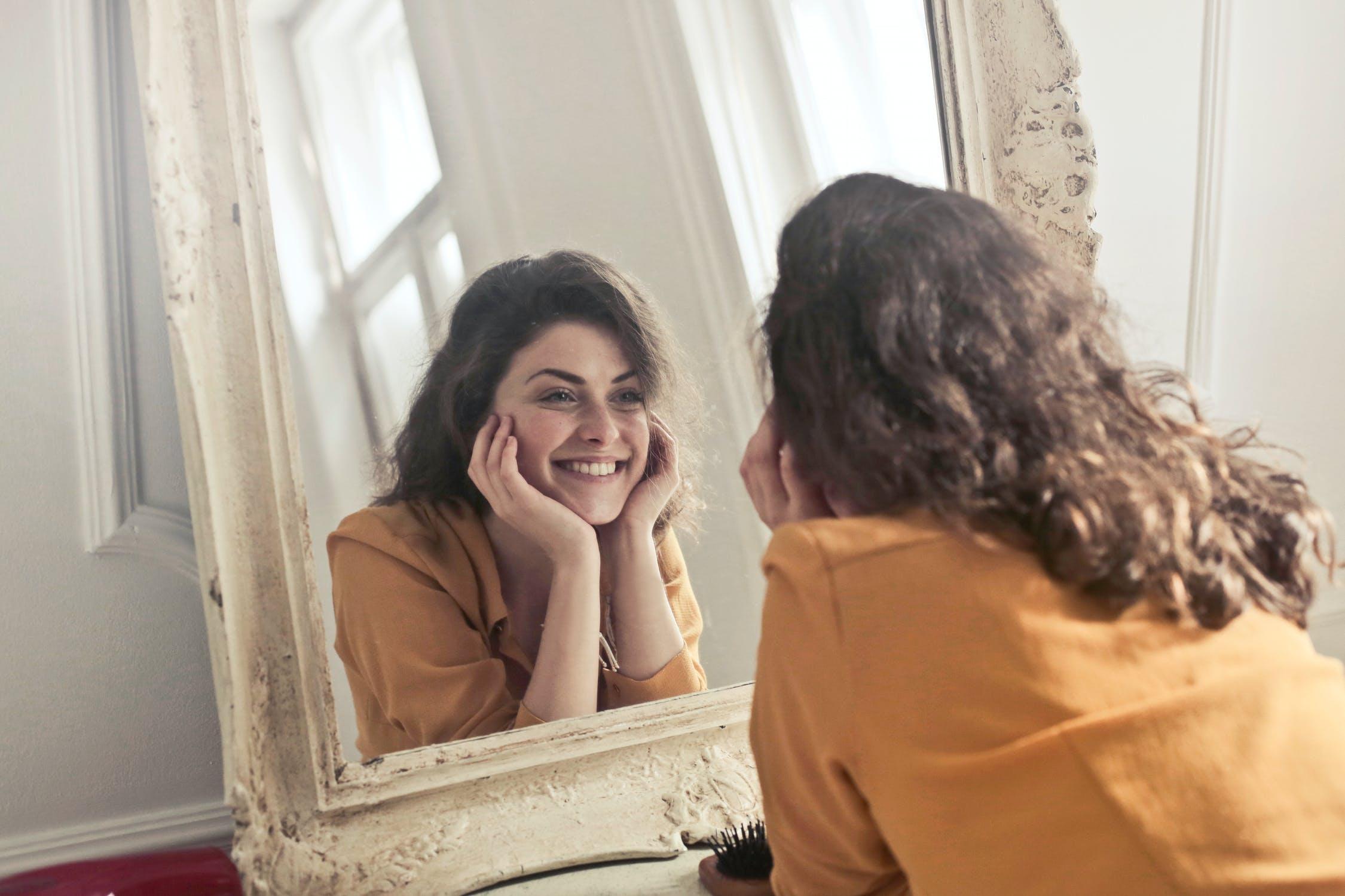 Fericirea și izolarea la domiciliu. Cum să-ți menții fericirea chiar și în această perioadă?
